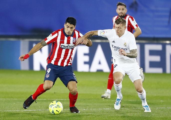 Thủ môn ghi bàn bằng lưng, Real Madrid hạ Atletico trận derby thủ đô thứ 226 - Ảnh 6.