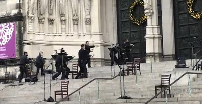 Cảnh sát Mỹ bắn chết nghi phạm xả súng nhà thờ - Ảnh 2.