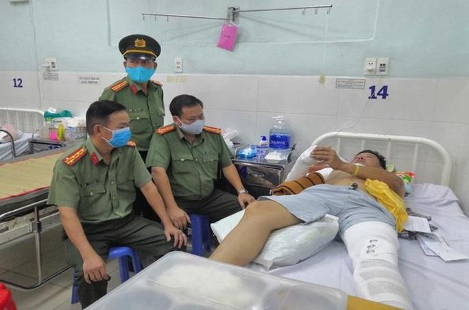 Một Tổ trưởng tổ CSGT ở Đồng Nai bị tông gãy tay, chân - Ảnh 1.