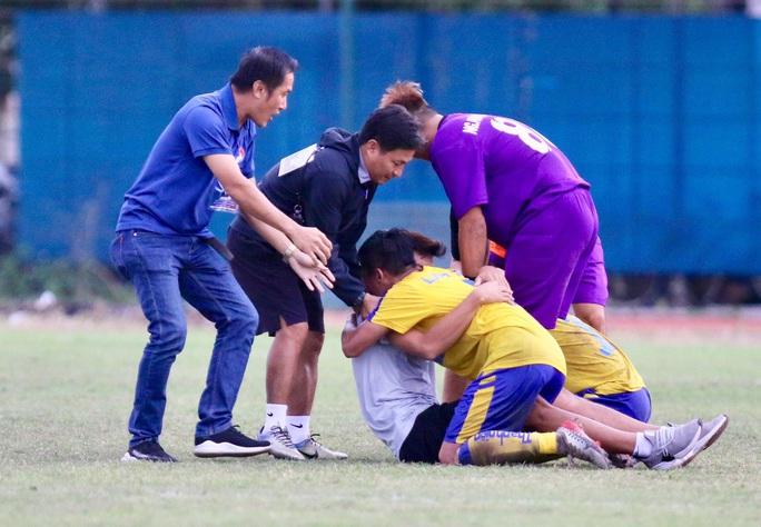 Lượt trận cuối kịch tính ở bảng A VCK U21 quốc gia 2020 - Ảnh 6.