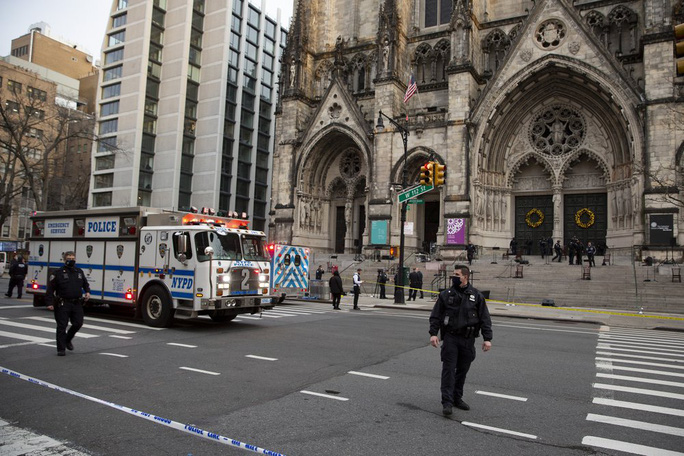 Cảnh sát Mỹ bắn chết nghi phạm xả súng nhà thờ - Ảnh 3.