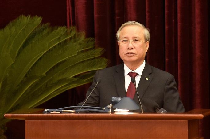 Thường trực Ban Bí thư Trần Quốc Vượng điều hành ngày làm việc thứ ba Hội nghị Trung ương 14 - Ảnh 1.