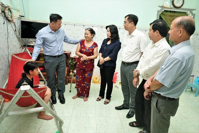 Tây Ninh: Chủ tịch UBND tỉnh yêu cầu xử lý nghiêm vụ nữ sinh bị hành hung sau tai nạn giao thông - Ảnh 1.