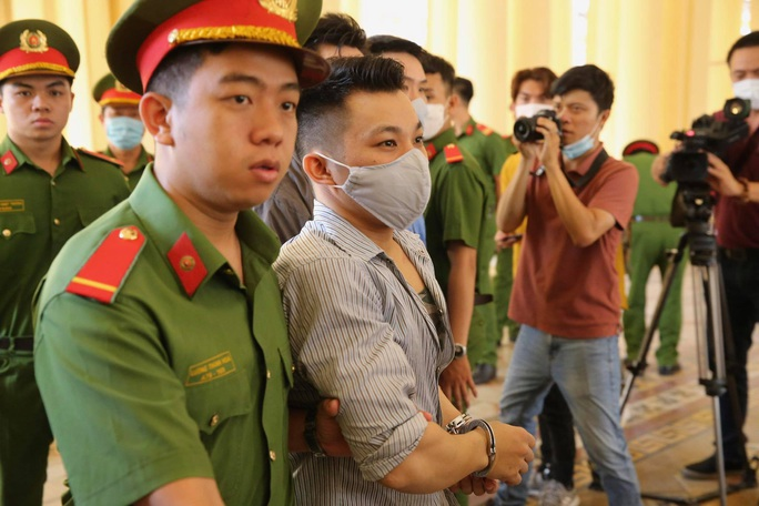 Hình ảnh những bị cáo bao che, tiếp tay cho Lê Quốc Tuấn - kẻ gây thảm án ở Củ Chi - Ảnh 6.