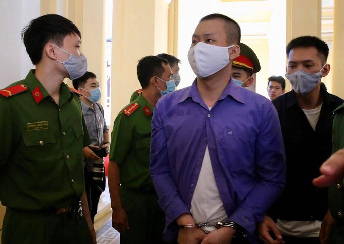 Hình ảnh những bị cáo bao che, tiếp tay cho Lê Quốc Tuấn - kẻ gây thảm án ở Củ Chi - Ảnh 9.