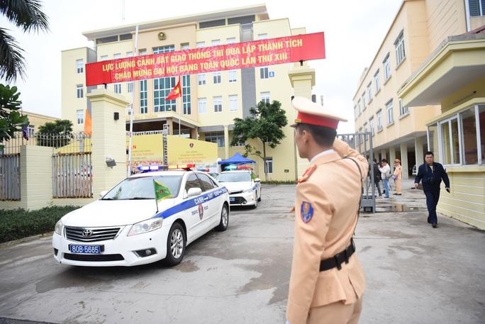 CSGT ra quân bảo vệ Đại hội Đảng toàn quốc lần thứ XIII - Ảnh 2.