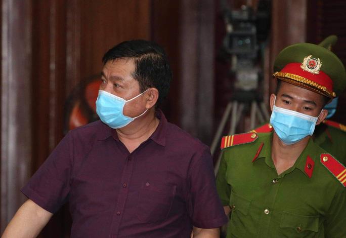 Giữa tòa, Đinh Ngọc Hệ không thừa nhận nhờ ông Đinh La Thăng giúp đỡ (?!) - Ảnh 2.