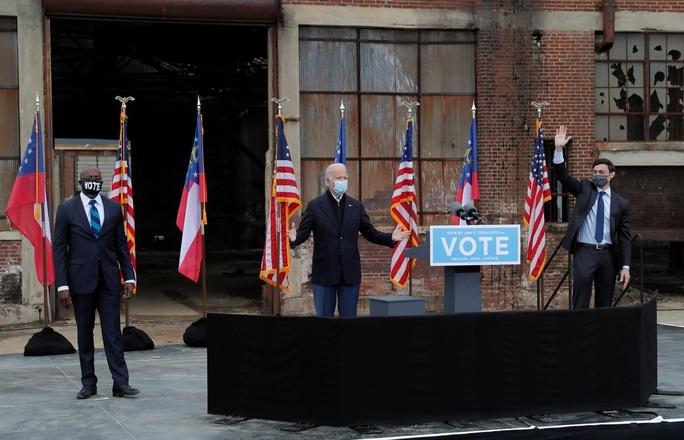 Ông Joe Biden và trận chiến cuối trên đường nhậm chức - Ảnh 1.