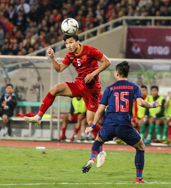 Cần ít nhất 4 tháng để hồi phục, Đoàn Văn Hậu lỡ hẹn tái đấu Malaysia, nhiều trận V-League 2021 - Ảnh 1.