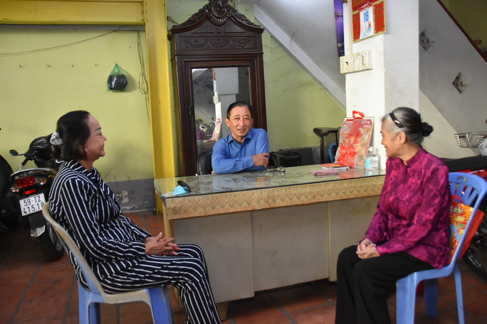 Mai Vàng nhân ái thăm nghệ sĩ Diễm Kiều và Kiều Phượng Loan - Ảnh 2.