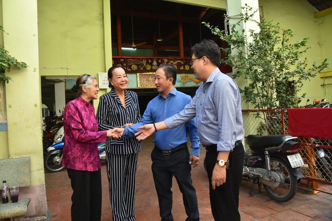 Mai Vàng nhân ái thăm nghệ sĩ Diễm Kiều và Kiều Phượng Loan - Ảnh 3.