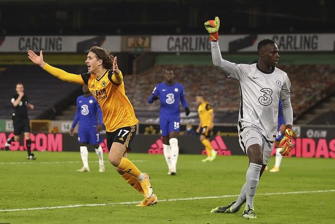 Chelsea trắng tay trước Wolverhampton phút bù giờ, Lampard sốc nặng  - Ảnh 3.