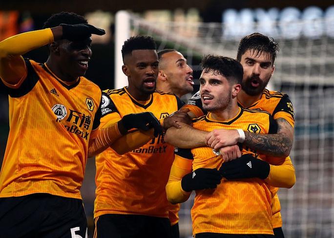 Chelsea trắng tay trước Wolverhampton phút bù giờ, Lampard sốc nặng  - Ảnh 7.