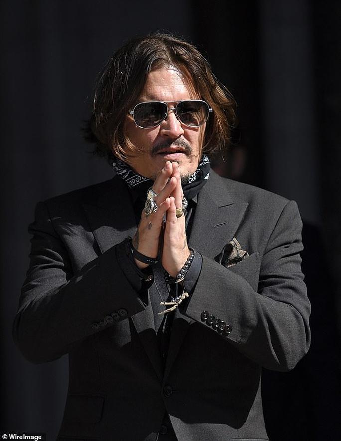 Johnny Depp tuột dốc không phanh sau lùm xùm với vợ cũ - Ảnh 1.