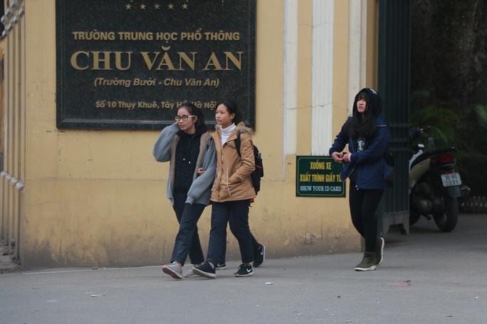 Trời rét đậm, Hà Nội cho các trường được điều chỉnh giờ học - Ảnh 1.
