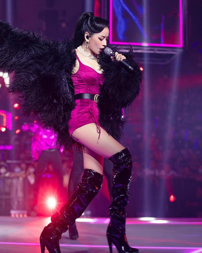 Ca sĩ được phép hát nhép, cư dân mạng dậy sóng, réo tên Chi Pu - Ảnh 2.