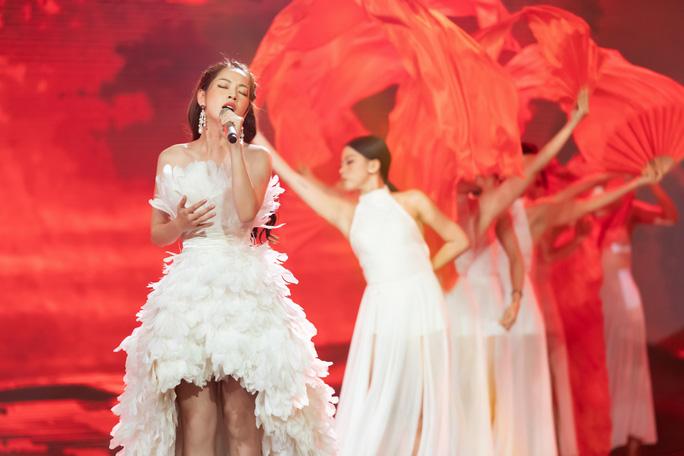 Ca sĩ được phép hát nhép, cư dân mạng dậy sóng, réo tên Chi Pu - Ảnh 3.