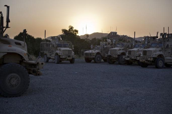 Mỹ ban hành lệnh cấm mới nhằm vào Trung Quốc - Ảnh 2.