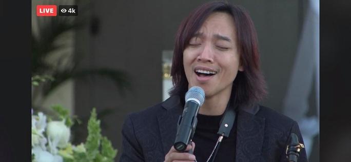 Con gái nghệ sĩ Việt Hương thay mẹ đến viếng cố nghệ sĩ Chí Tài - Ảnh 3.