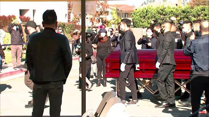Xúc động tang lễ nghệ sĩ Chí Tài tại Mỹ - Ảnh 10.