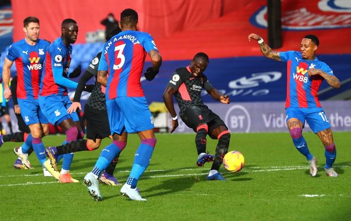 Vùi dập Crystal Palace 7-0, Liverpool khẳng định ngôi đầu Ngoại hạng - Ảnh 3.