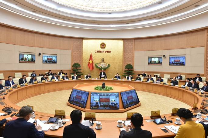 Chính phủ chúc mừng 3 tân thành viên trong phiên họp thường kỳ tháng 11 - Ảnh 2.