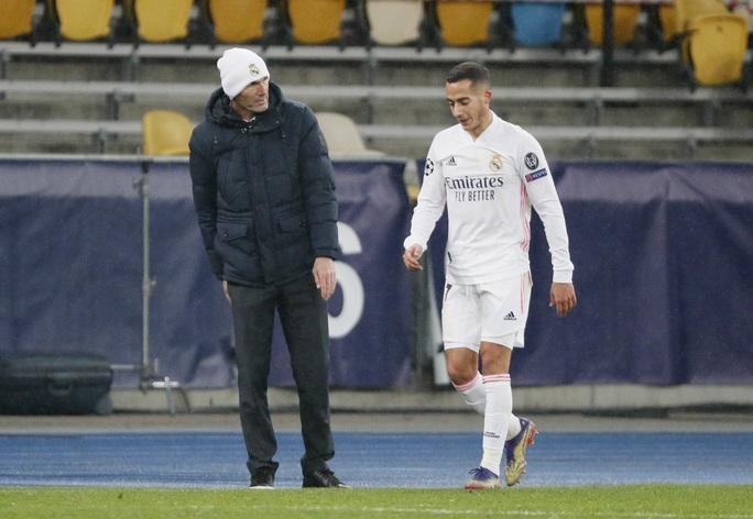 Real Madrid trắng tay, ghế nóng HLV Zinedine Zidane rung lắc - Ảnh 5.