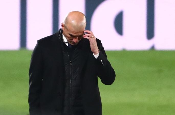 Real Madrid trắng tay, ghế nóng HLV Zinedine Zidane rung lắc - Ảnh 6.