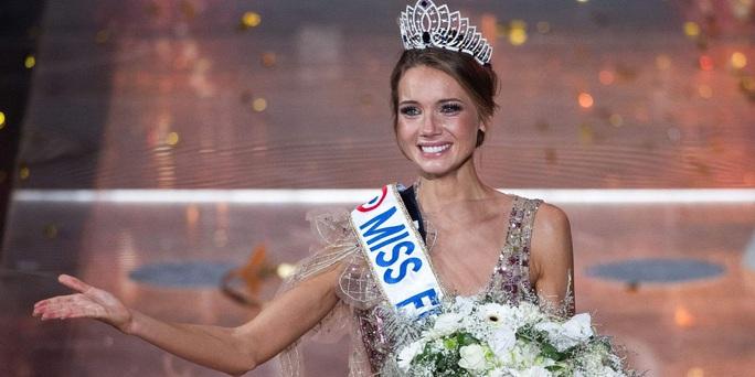 Nhan sắc người mẫu đăng quang Hoa hậu Pháp 2021 - Ảnh 2.