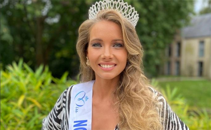 Nhan sắc người mẫu đăng quang Hoa hậu Pháp 2021 - Ảnh 3.