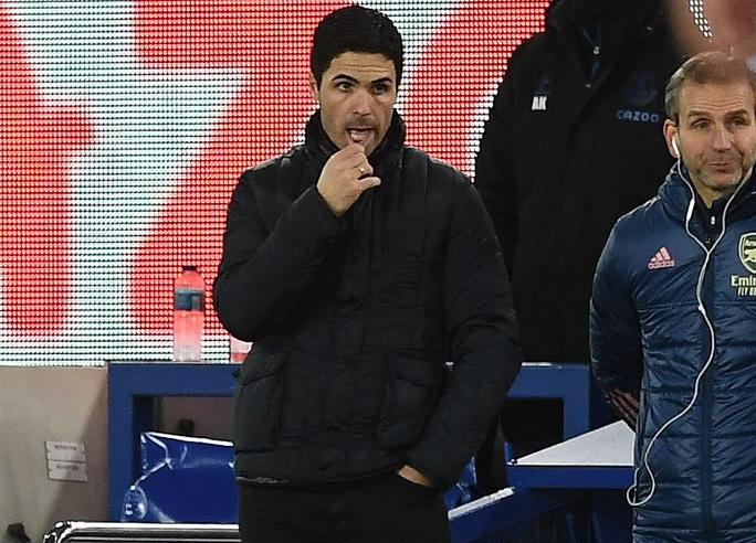 Arsenal đại bại, HLV Mikel Arteta chờ ngày ra đi - Ảnh 1.