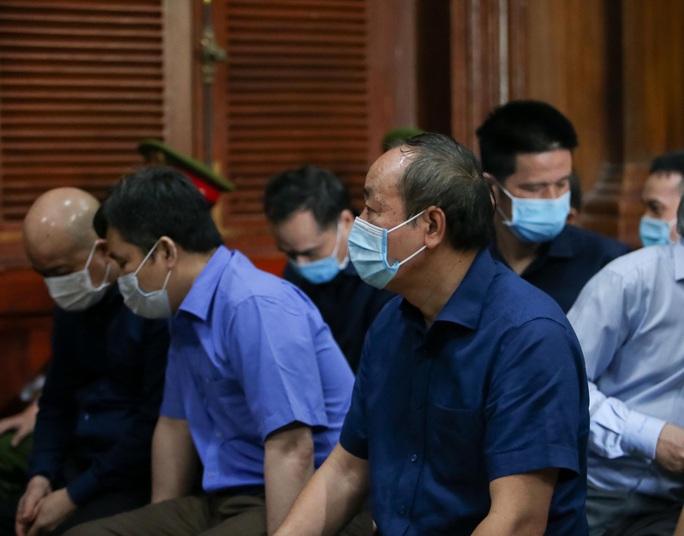 Bị cáo Đinh La Thăng đề nghị tòa án miễn trách nhiệm hình sự cho cấp dưới - Ảnh 2.
