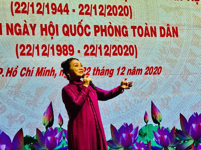 Nghệ sĩ hát mừng ngày thành lập Quân đội nhân dân Việt Nam - Ảnh 1.