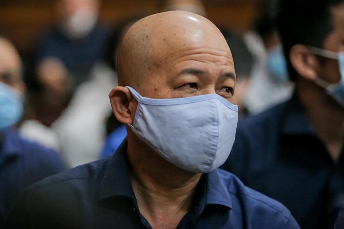 """Những chi tiết, hình ảnh """"đắt"""" trong phiên xử ông Đinh La Thăng - Ảnh 6."""