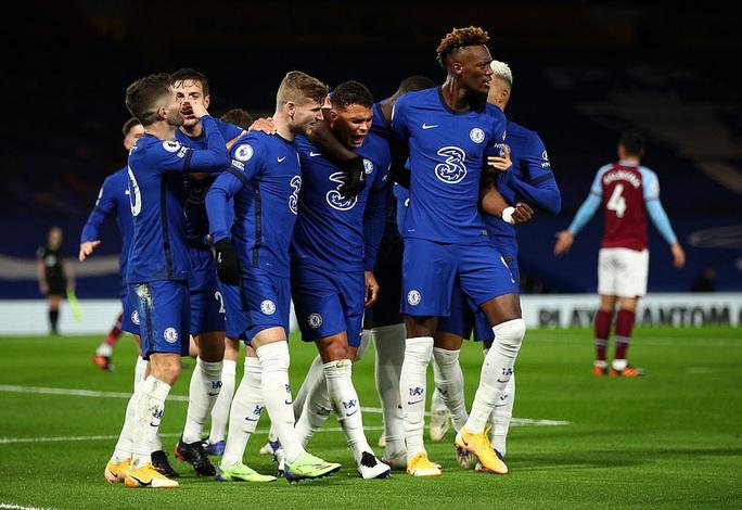 2 phút bắn hạ West Ham, Chelsea bay bổng Top 5 Ngoại hạng - Ảnh 7.