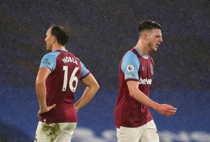2 phút bắn hạ West Ham, Chelsea bay bổng Top 5 Ngoại hạng - Ảnh 1.