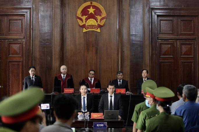 CLIP: Ông Đinh La Thăng bị tuyên phạt 10 năm tù - Ảnh 2.
