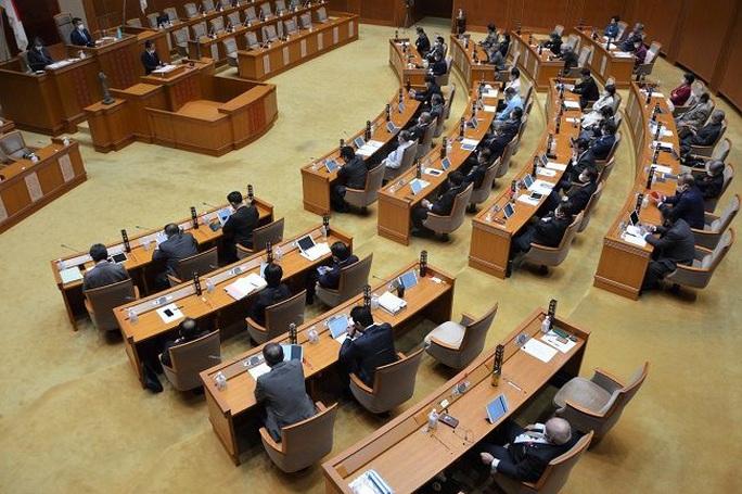 Hội đồng tỉnh Okinawa phản đối phát ngôn của ông Vương Nghị  - Ảnh 1.