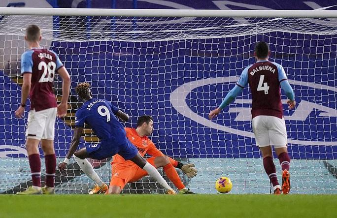 2 phút bắn hạ West Ham, Chelsea bay bổng Top 5 Ngoại hạng - Ảnh 6.