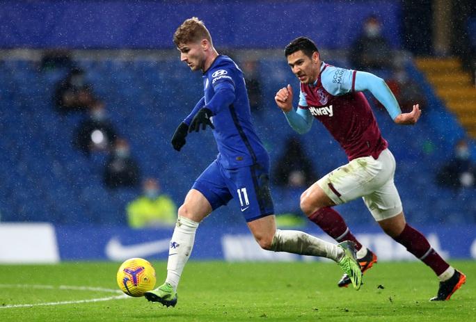 2 phút bắn hạ West Ham, Chelsea bay bổng Top 5 Ngoại hạng - Ảnh 4.