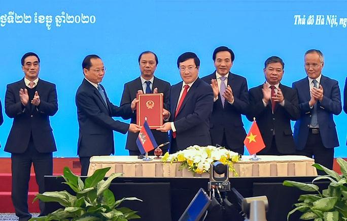 Hai văn kiện về biên giới Việt Nam - Campuchia chính thức có hiệu lực - Ảnh 2.