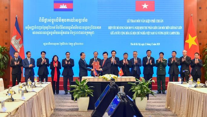 Hai văn kiện về biên giới Việt Nam - Campuchia chính thức có hiệu lực - Ảnh 1.