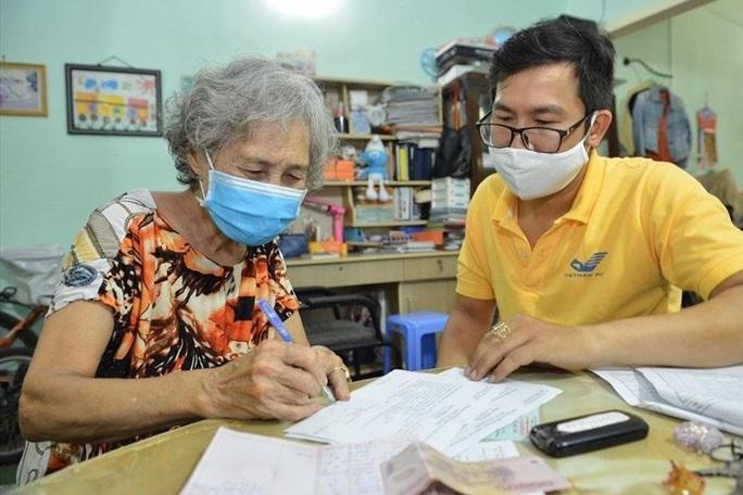 TP HCM: Chi trả lương hưu gộp 2 tháng trong dịp Tết Nguyên đán 2021 - Ảnh 1.