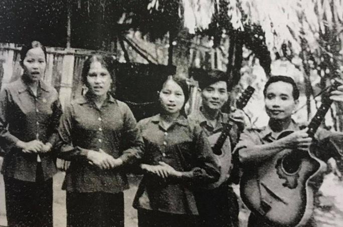 Mai Vàng nhân ái thăm hai NSƯT Tạ Hiền Minh và Bùi Xuân Hanh - Ảnh 3.