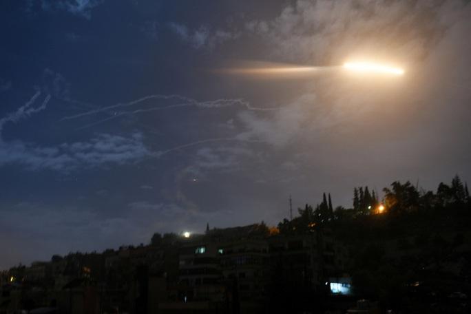 """Israel """"mượn"""" Lebanon tấn công Syria? - Ảnh 1."""