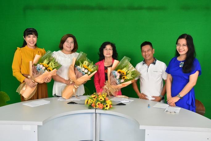 MC Quỳnh Hoa, nhà báo Cát Vũ, biên kịch Thanh Hương dự đoán về Giải Mai Vàng 2020 - Ảnh 2.