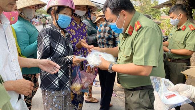 Liên quan bệnh nhân 1440: Tiền Giang tạm đóng cửa 1 quán ăn, Cần Thơ chỉ đạo khẩn - Ảnh 1.
