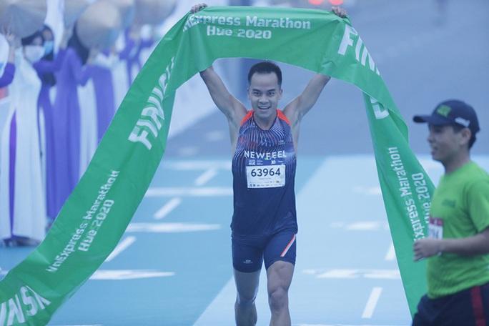 Hơn 4.500 người tham gia giải chạy VnExpress Marathon Huế 2020 - Ảnh 3.
