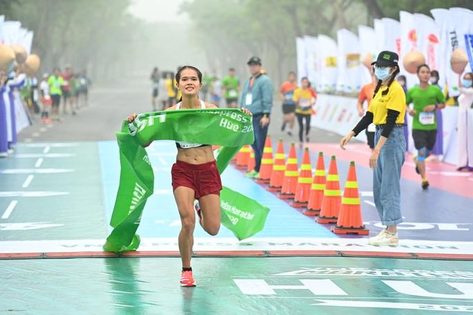 Hơn 4.500 người tham gia giải chạy VnExpress Marathon Huế 2020 - Ảnh 4.