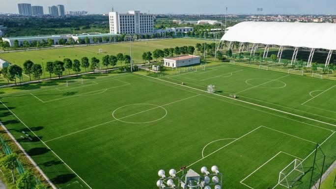PVF chuyển nhượng 20 tài năng cho 5 CLB, tặng hết tiền cho gia đình cầu thủ - Ảnh 3.